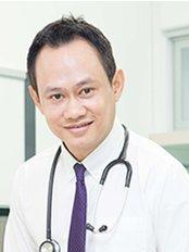 Dr  Nava -  at Thaniya Clinic