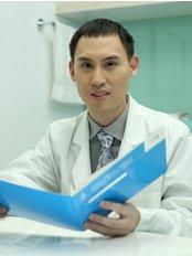 Dr Bunyarit Vanichvoranun Gul -  at Thaniya Clinic