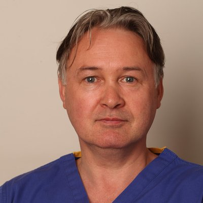 Dr Niall Munnelly