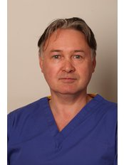 Dr Niall Munnelly - Doctor at The Chiltern Medical Clinic - Central Reading
