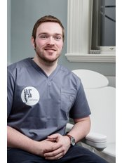 Dr Colum  O'Hare - Doctor at Array Aesthetics