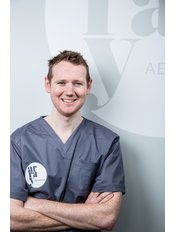 Dr Chris Nicholson - Doctor at Array Aesthetics