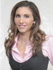 Dr SAMANTHA GAMMELL - Doctor at Aesthetic Medispa Clinic - Buckhurst Hill