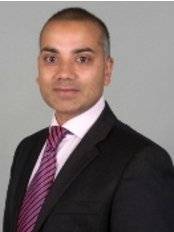 Mr Richard Karoo - Consultant at The Cardiff Clinic