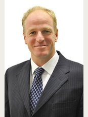 Rob Warr - Cheltenham Cygnini Clinic - Mr Rob Warr, Consultant Cosmetic Surgeon - Rob performs ALL aesthetic injections at Cygnini