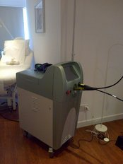 Alexandrite Trivantage Laser - great for removing black red blue and green tattoos - Clinic 21
