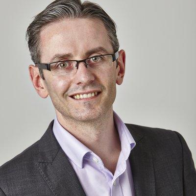Dr Tim Pearce