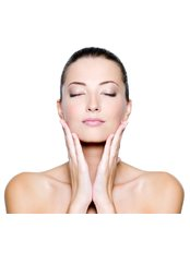 Superficial Chemical Peel - Centros Unico - Ealing Broadway