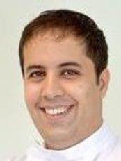 Dr Matin Ahmadi - Dentist at SSS Clinic - Stunning Smiles & Skin