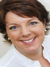Bespoke Beauty Clinic - Karen Bowen