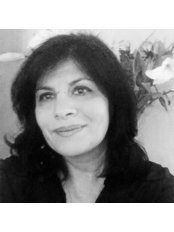 Dr Minoo Madhok - Consultant at Eve Clinics UK