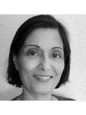 Dr KumKum Mishra - Anesthesiologist at Eve Clinics UK