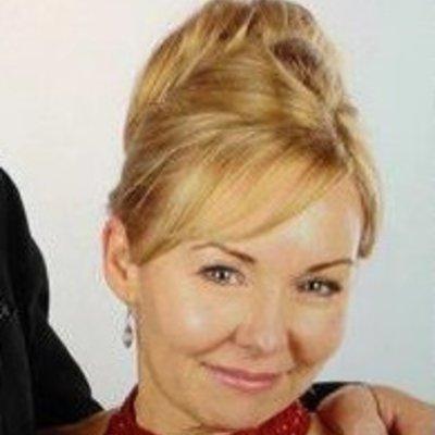 Mrs Lynn Warren