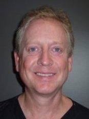 The Birches Facial Medi Spa - Dr. Lee Chamberlain, Surgeon
