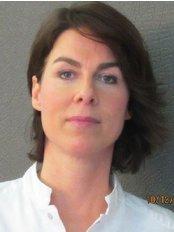 Ms Tanja St Louis -  at Medicosmet