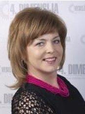 Dr. Ina Berzina - Nurse at Beauty Clinic 4.Dimensija