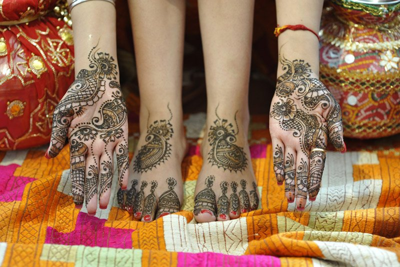 Bridal Mehndi West Midlands : Simis hair and beauty private salon in sparkhill whatclinic
