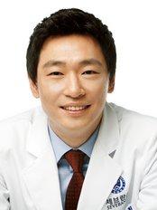 Dr Cholhee Park -  at Heal Pain Management Center-Seongnae