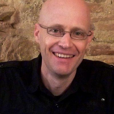 Dr Stefan Becker