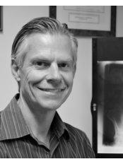 Mike Shilton MChiro DC LRCC -  at Chelmsford Chiropractic Clinic