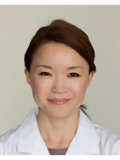 Acupuncturist Consultation - Sayer Back & Neck Pain Clinic - London W1