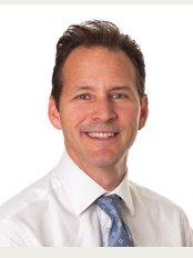 Sayer Back & Neck Pain Clinic - London W1 - Dr Chris Berlingieri - Chiropractor