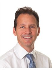 Dr Christopher Berlingieri - Sayer Chiropractors & Physiotherapy Kensington W8