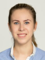 Karolina Krzaczek -  Physiotherapist and Pelvic Pain specialist - Aesthetic Medicine Physician at Sayer Chiropractors & Physiotherapy City EC2