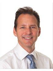 Dr Christopher Berlingieri - Sayer Back & Neck Pain Clinic - London W1