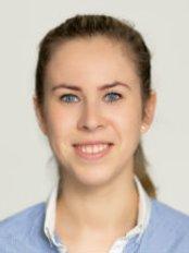 Karolina Krzaczek -  Physiotherapist and Pelvic Pain specialist - Aesthetic Medicine Physician at Sayer Chiropractors & Physiotherapy City EC2