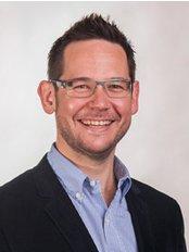 Dr Callum Gilchrist - Dentist at Sydney Cosmetic Sanctuary - Orange Rooms