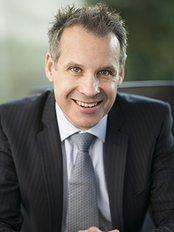Dr Peter Laniewski - Surgeon at Dr Peter Laniewski-Erina-Central Coast