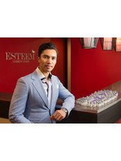 Esteem Cosmetic Studio 2, Brisbane - Dr Ian Chinsee