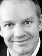 Dr Philip Richardson - Surgeon at Brisbane Plastic & Cosmetic Surgery - Southport