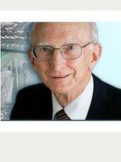 Dr. Phillip Bushell-Guthrie - Plastic Surgeon - 32 Brisbane St, Mackay, Queensland, 4740,