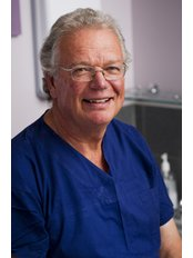 Dr Geoff Barnett - Surgeon at Coco Ruby Plastic Surgery