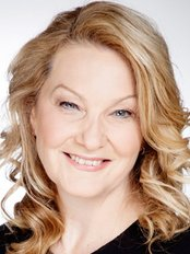 Sue Kent -  at North East Plastic Surgery - Essendon