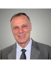 Dr Mikhail Soutorine - Surgeon at Cosmétique Cosmetic Surgery Clinic - Richmond