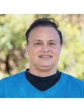 Dr Aaron Atia - Surgeon at Cosmétique Cosmetic Surgery Clinic - Mandurah