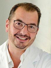 Dr Werner Dabernig -  at Das Haus der Schönheit