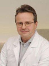 Dr Christoph Kopp - Doctor at Juvenis