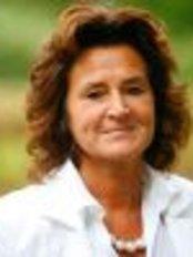 Dr Nele Vos - Surgeon at Nele Vos - Brasschaat