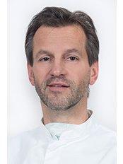 Dr Jan Van Dijck - Dentist at Wellness Kliniek Belgium