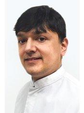 Herr Syed Alam - Zahnarzt - Wellness Kliniek