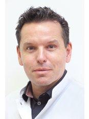 Dr Pascal Duijsters - Aesthetic Medicine Physician at Wellness Kliniek Belgium