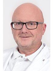 Dr Luc Damen - Principal Surgeon at Wellness Kliniek Belgium