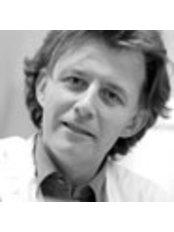 Dr. Alexis Verpaele MD, PhD - Arzt für Ästhetische Medizin - Coupure Centrum für Medizinische Kosmetik