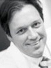 Dr. Patrick L. Tonnard -  - Coupure Centrum für Plastische Chirurgie