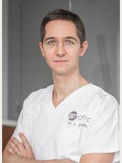 Docteur Tourbach - ST Clinic - Hameau du Fourcroix 27, Tournai, 7522,