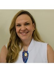 Dr Renata Simone Lomonaco - Surgeon at Clinica Renovare Campinas